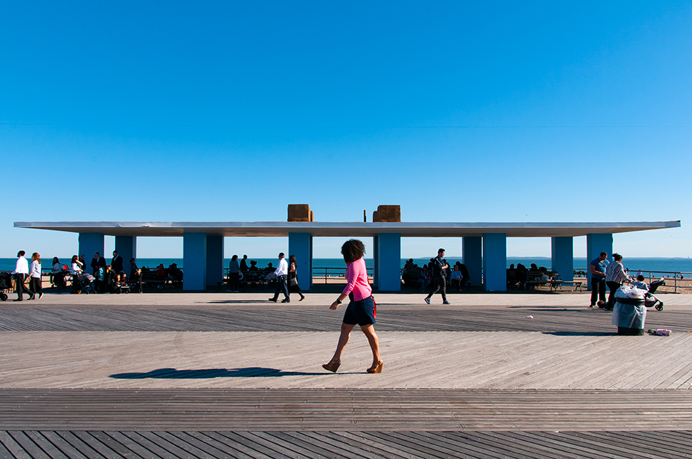 Walking on sunny day n°03. Coney Island, Brooklyn. New York 2019.